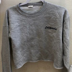 BRANDY MELVILLE cropped Cali graphic crew neck